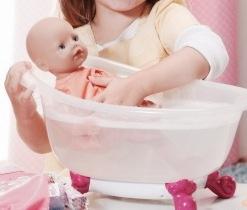 my little baby born bathing fun bizzimummy. Black Bedroom Furniture Sets. Home Design Ideas